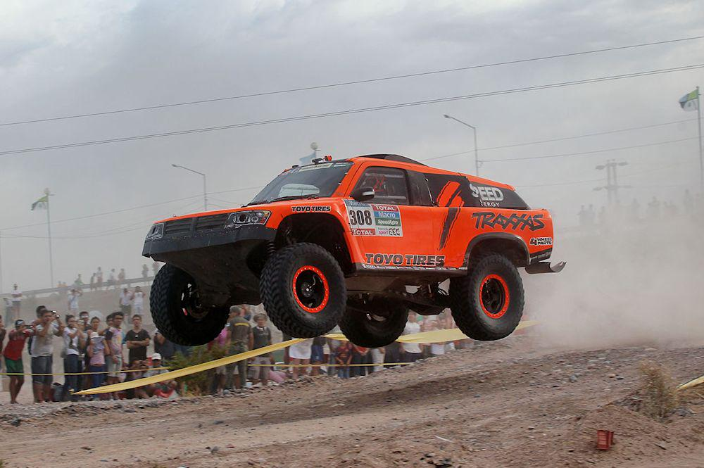 Good recovery for #TeamSPEED in Stage 3 at @dakar. Finished 15th after starting 50th. @ToyoTires @Traxxas http://t.co/UveA3PO3Mr