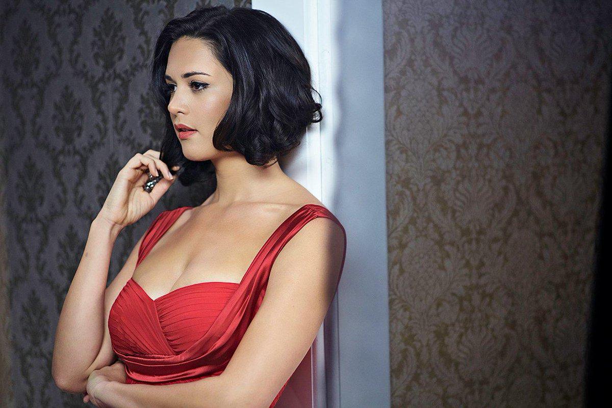 Hoy se cumple un año de la desaparición física de la ex Miss Vzla 2004 #MónicaSpear ¡Venezuela nunca te olvidará! http://t.co/26sRhjsGoN