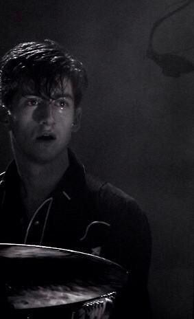 HAPPY BIRTHDAY ALEX TURNER you are my hero and one day I will become you