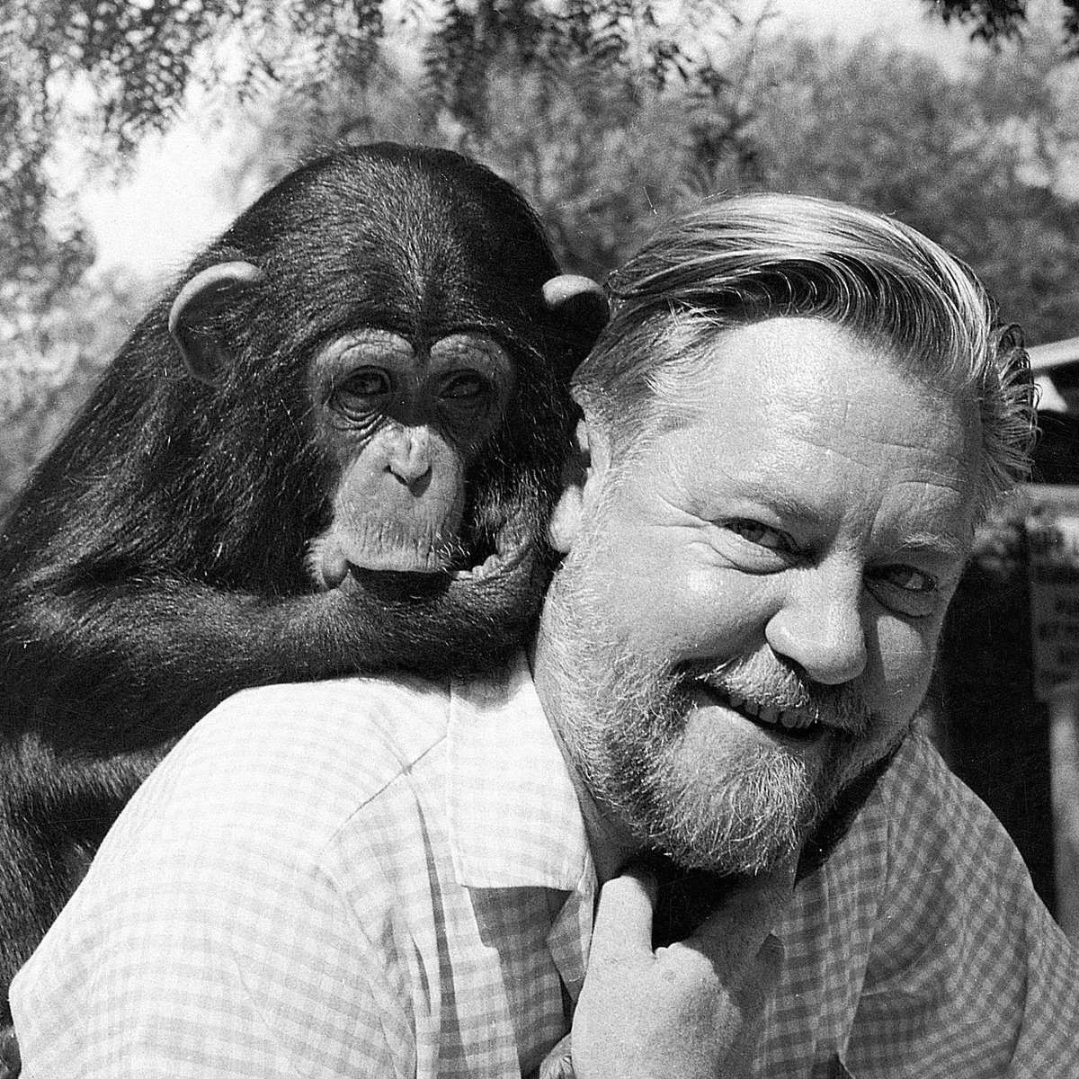 Gerald Durrell, 90th Birthday Tribute – remembering a truly inspiring pioneer in conservation http://t.co/lx4oCxW92x http://t.co/nbILOgaT0P
