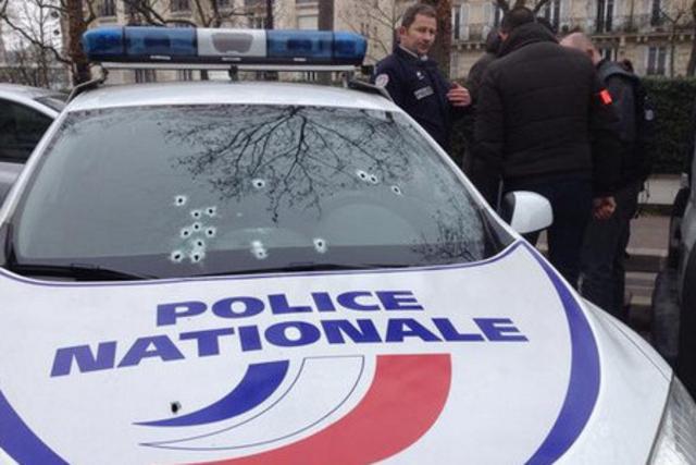 à Paris, ca rigole pas… #charliehebdo http://t.co/QA5Deqci1j
