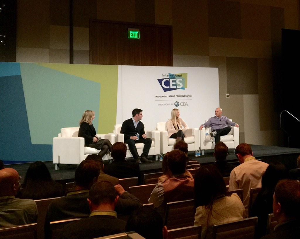 @ijustine Rocking it at #CES2015 http://t.co/Vu7Pa0IQyt