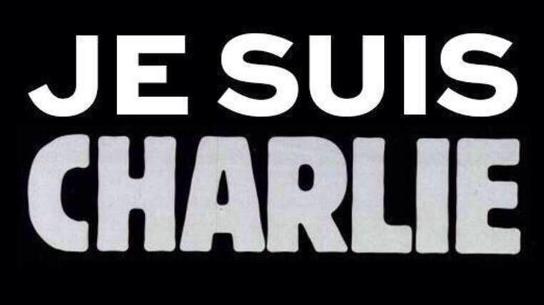 """""""Puedo no estar de acuerdo con lo q dices, pero defenderé con mi vida tu derecho a expresarlo""""Voltaire #CharlieHebdo http://t.co/MQMLVa1mE8"""
