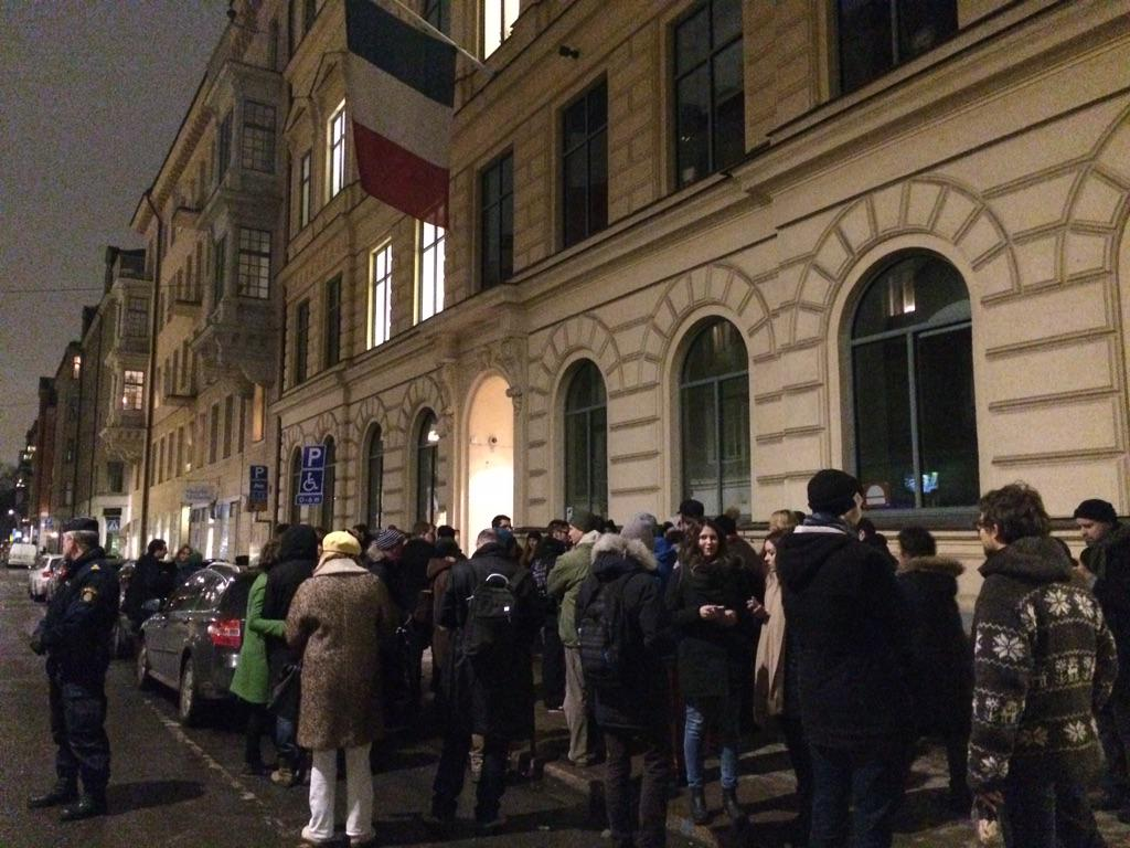 Here's scene at #Stockholm #French embassy. Silent rally in support of press freedom #CharlieHebdo #JeSuisCharlie http://t.co/uXO2dhrmyX