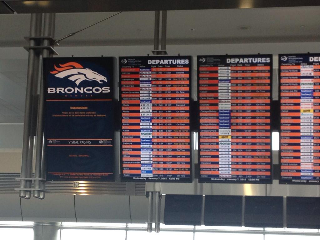 Clearly @DENAirport wants people to know this is #BroncosCountry http://t.co/v0YrDl3OzO