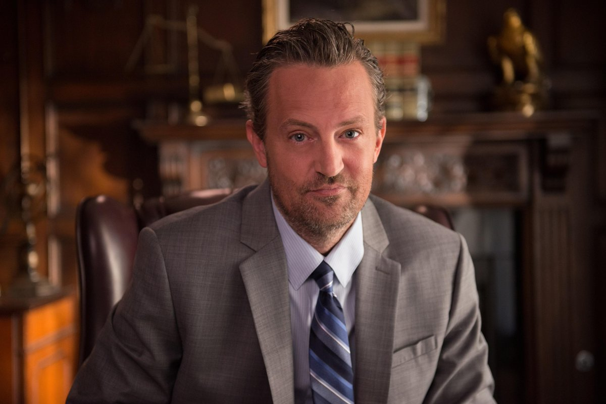 Get ready for our #WT_Season4 winter premiere Wed, 1/14 on @SHO_Network when @LisaKudrow's pal @MatthewPerry stops by http://t.co/IuSUyqmVdU