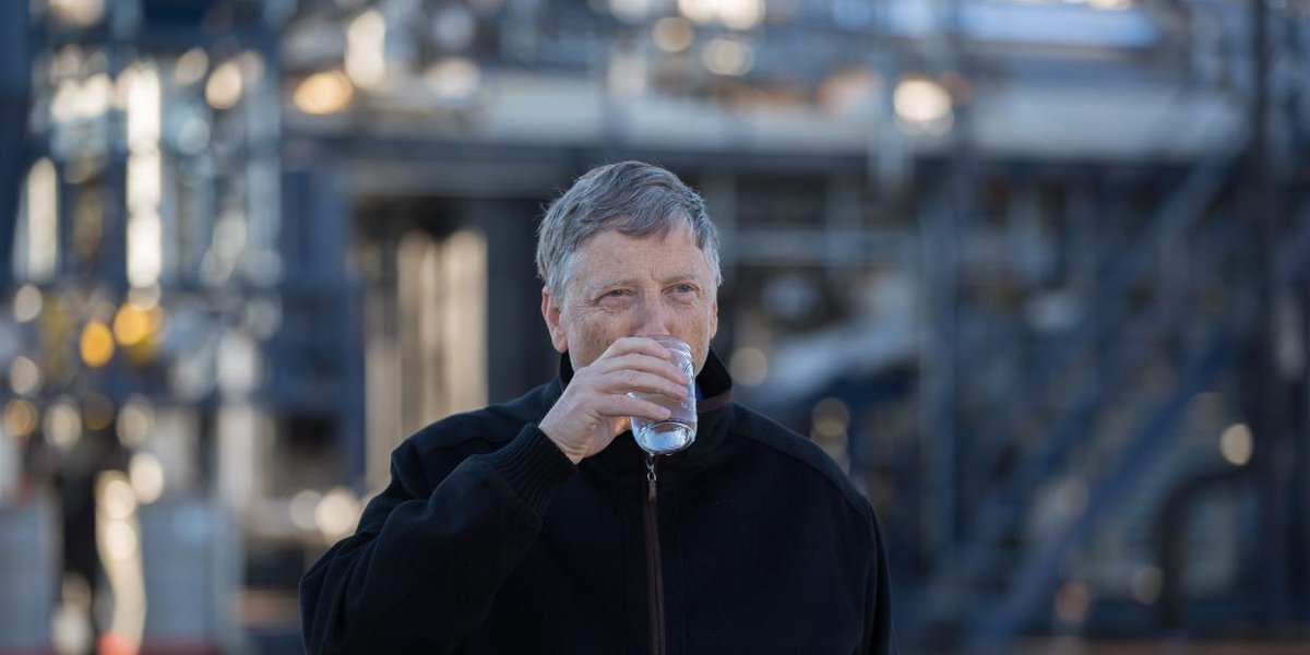 Bill Gates (@BillGates): Cheers to this engineering miracle. A machine that turns poop into tasty drinking water: http://t.co/vWJpdW00C5 http://t.co/4ZjaftnuFl