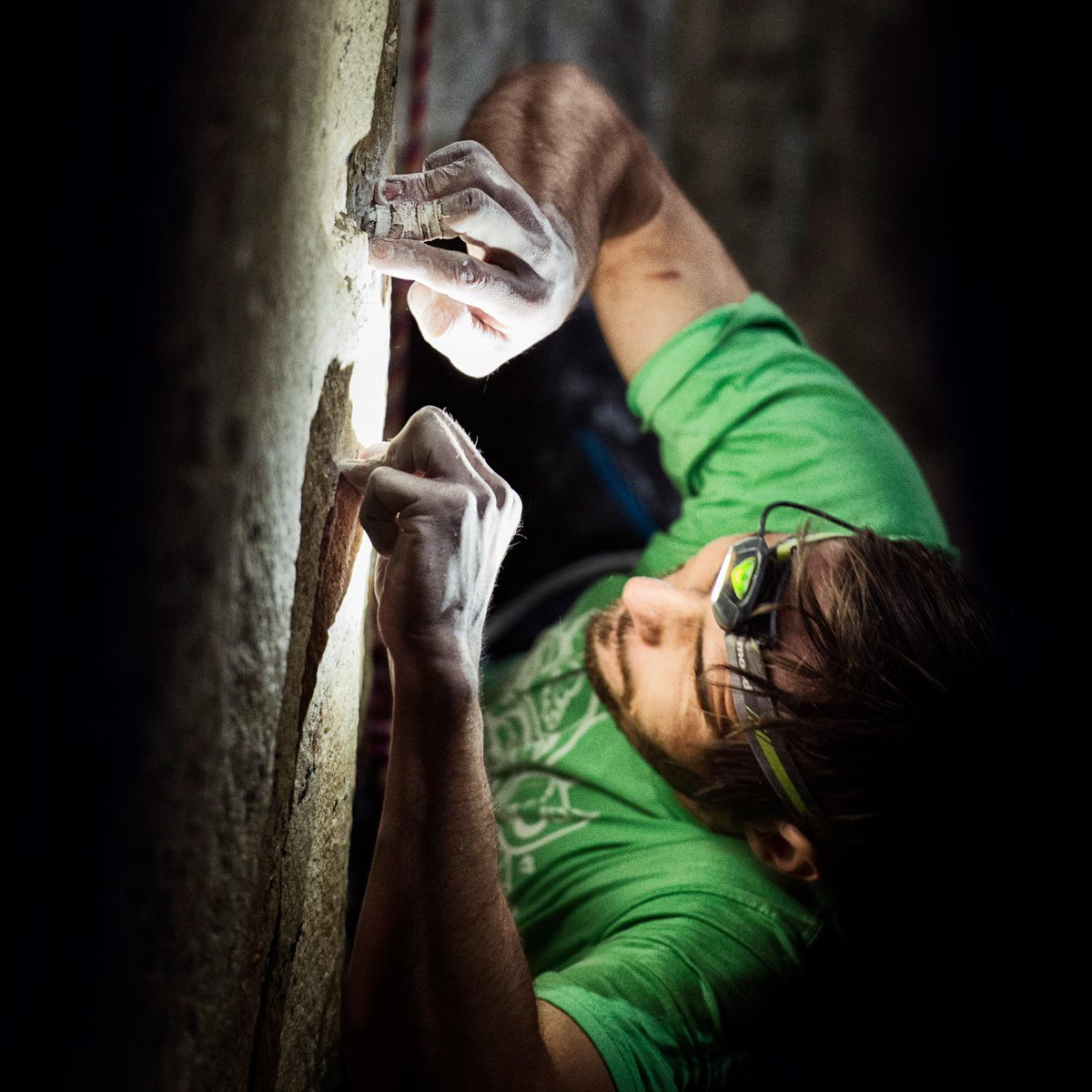 The sharpest holds on the #DawnWall. @kjorgeson climbing his heart out last night. So inspired by this determination http://t.co/6OTJSjPk6e