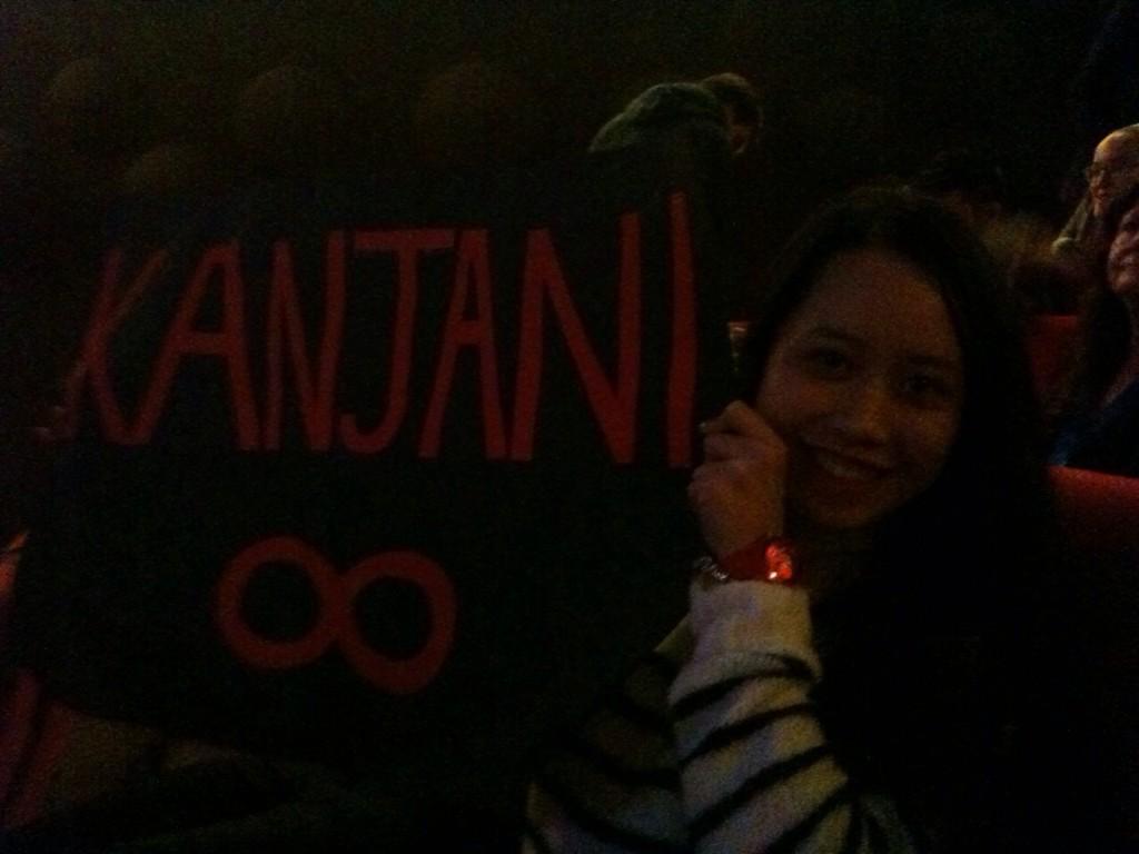 A #kanjani8 fan waiting for Subaru.#lalalaatrockbottom http://t.co/qsrDnImOPV