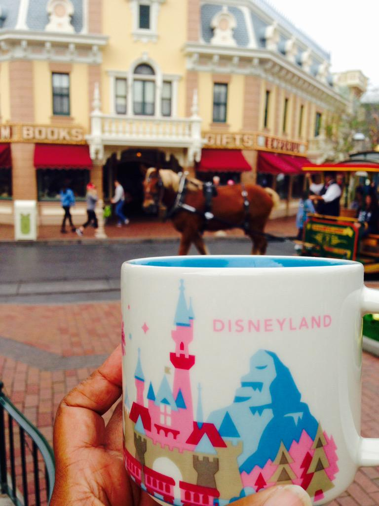 @DisneylandToday Love my new @Starbucks mug! http://t.co/pKmagT0ALy
