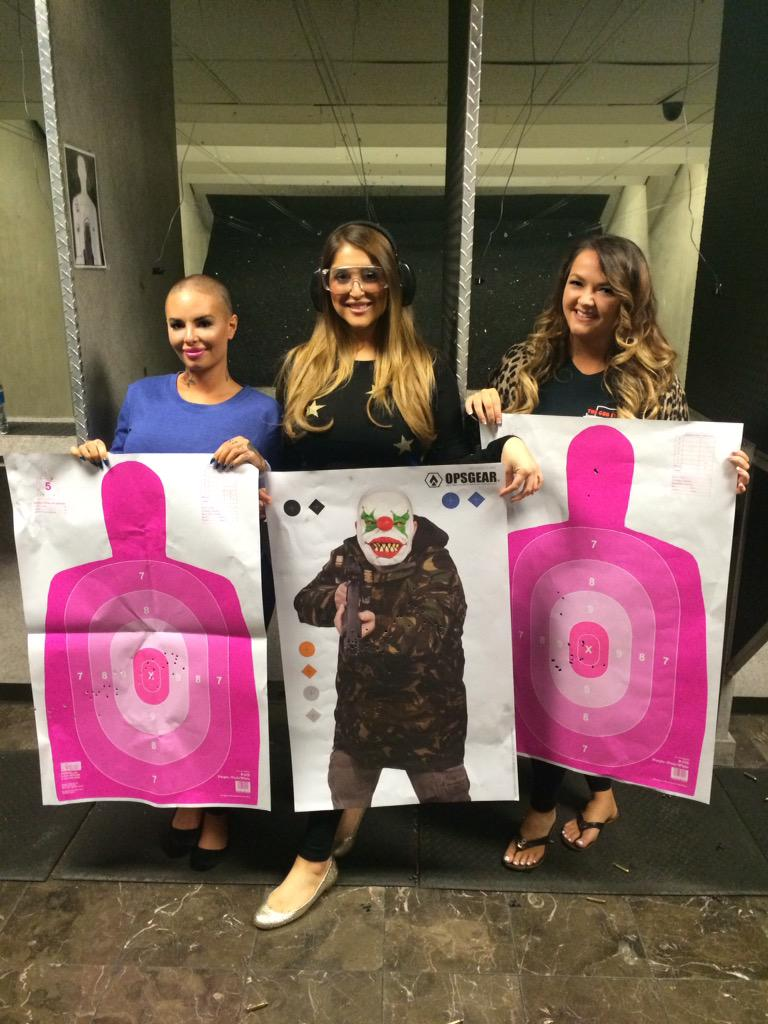 Great to have @ChristyMack @stephaniejoplin & @BreArmstrong back on the range. Lovely to see you ladies @Gunstore http://t.co/wEFru5rR5g