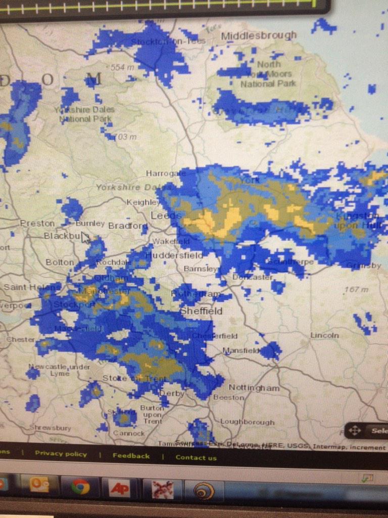 Rain/sleet/snow falling at 6am..... http://t.co/H5vUrXZ6e9