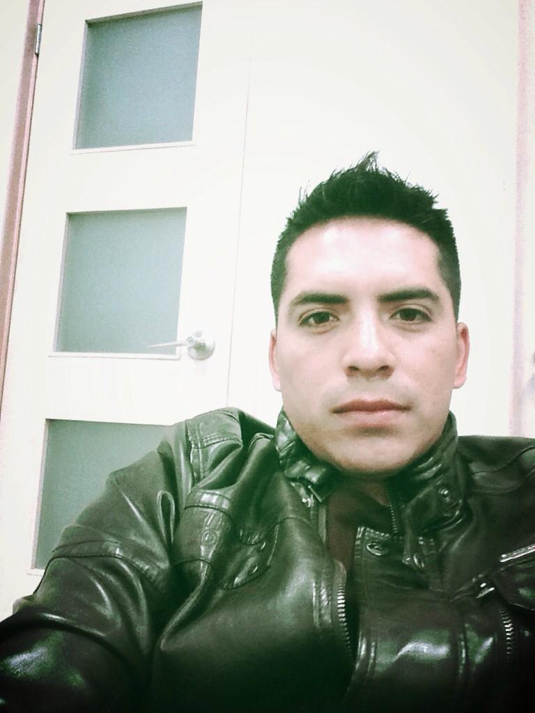 Arturo Vargas Rios (@LosPrimosArturo): Buenos días preciosas aquí en mi Monterrey llegando a las oficinas de @latinpowermusic http://t.co/Lc2xEXgg2I