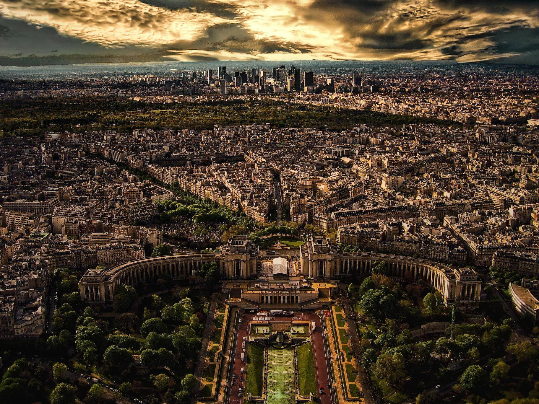 Paris from the Eiffel Tower: http://t.co/1Bhr6TvCa7