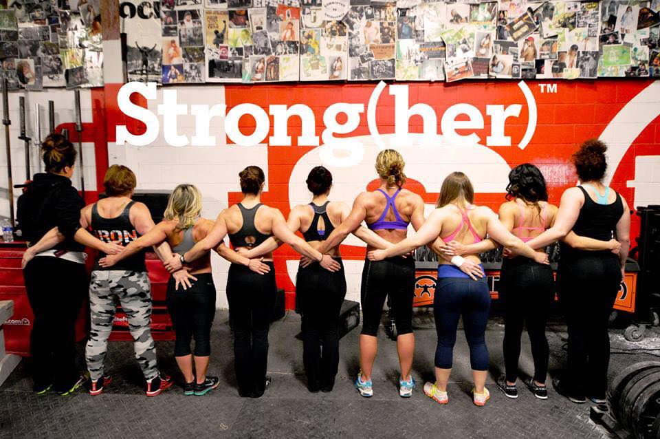 cool ass picture of the @elitefts  women!! #strongher http://t.co/DC36sNniFe