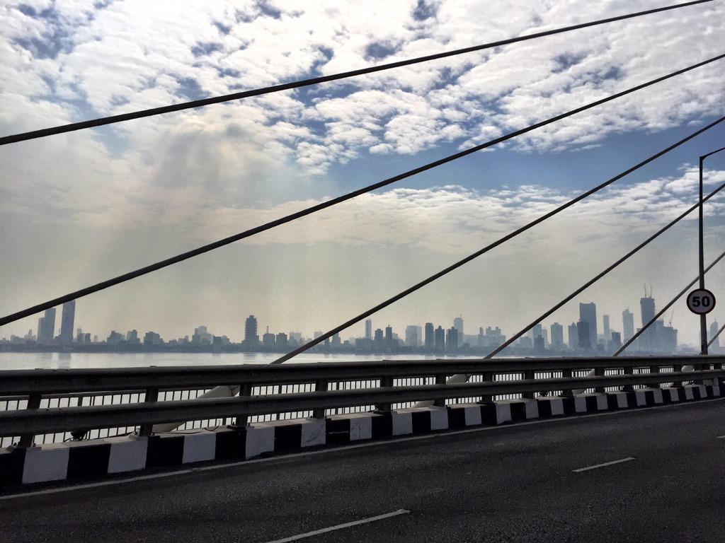 The city skyline! #clouds @WeAreMumbai #mumbai http://t.co/NlumH50aei