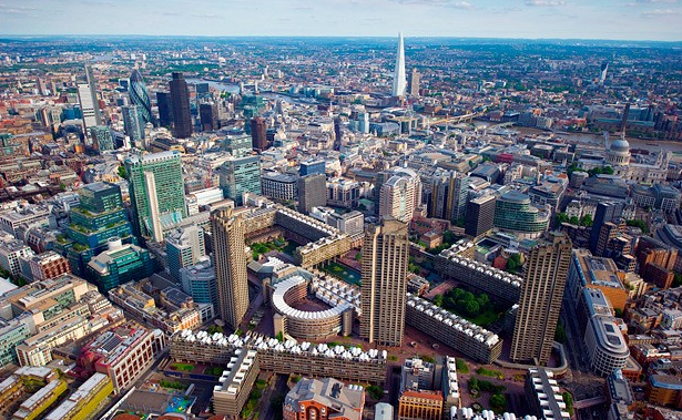 Demand for #property in prime central #London from overseas remains high via @PropertyWire http://t.co/ef8AjaGq2h http://t.co/0IEarRD0G3