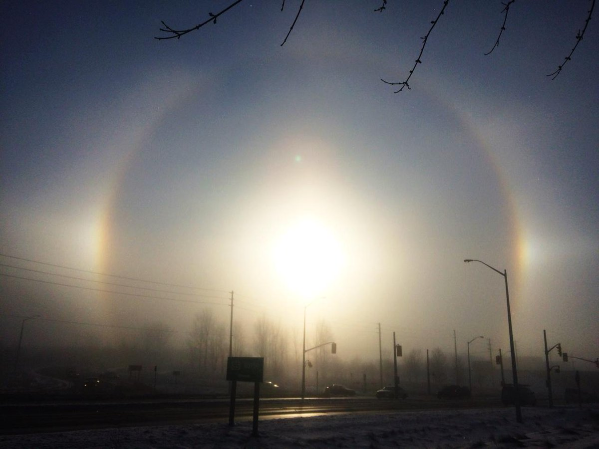 Awesome sundog out there this morning! #KWAwesome @CTVKitchener @CBCKW891 http://t.co/3ftaP3I6jP