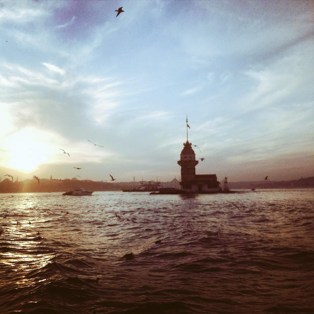 Maiden Tower #istanbul http://t.co/nUdLH0c7EI