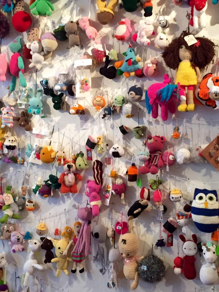 #Queens! World Amigurumi Exhibition @RESOBOX is awesome! & all Amigurumi are available to purchase. Find one u love http://t.co/xmhGmobp39
