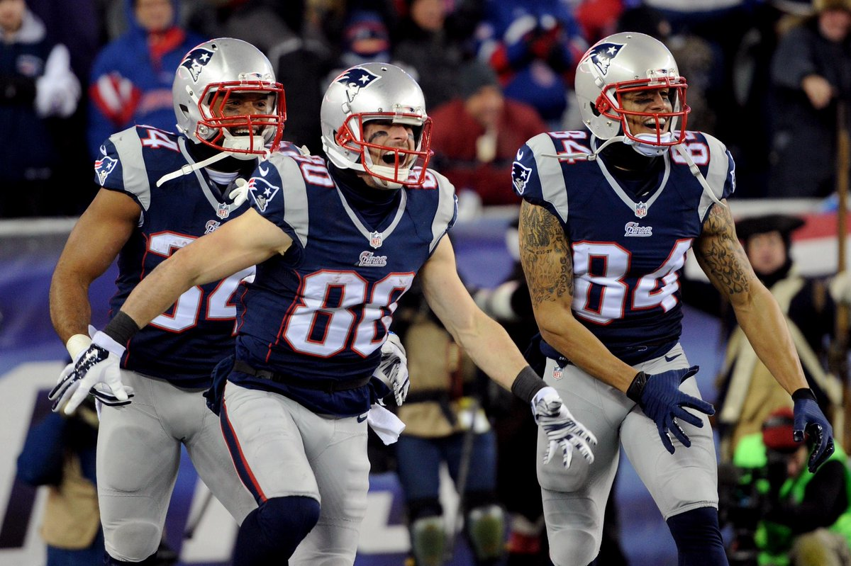 FINAL: #Patriots erase their playoff demons, beat the #Ravens 35-31 to advance to the AFC Championship Game. http://t.co/mQbW2SlXQm