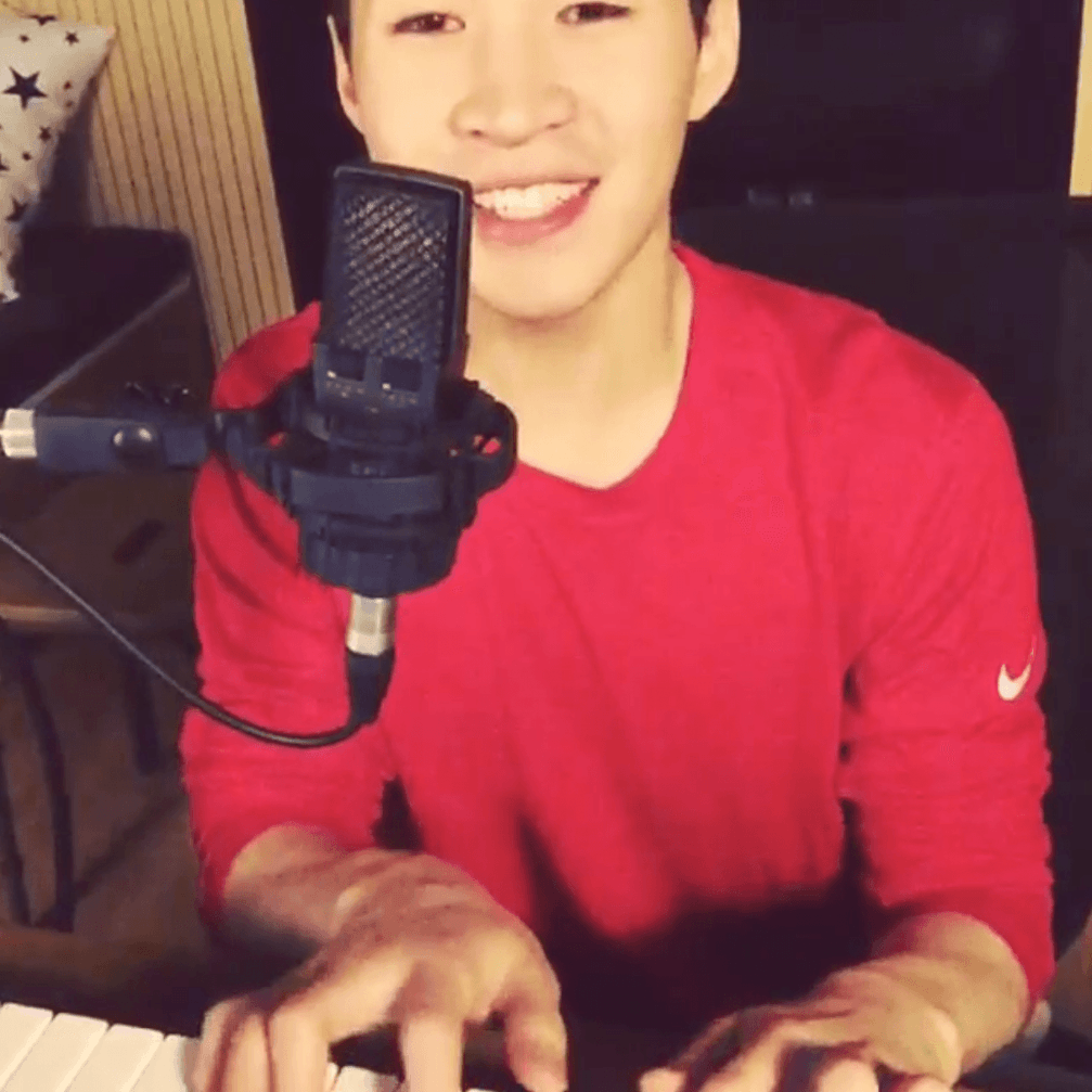 Henry Lau sings along to Sam Smith's 'Stay With Me' — http://t.co/iWOh1kU6dF http://t.co/odQRSLtMZM