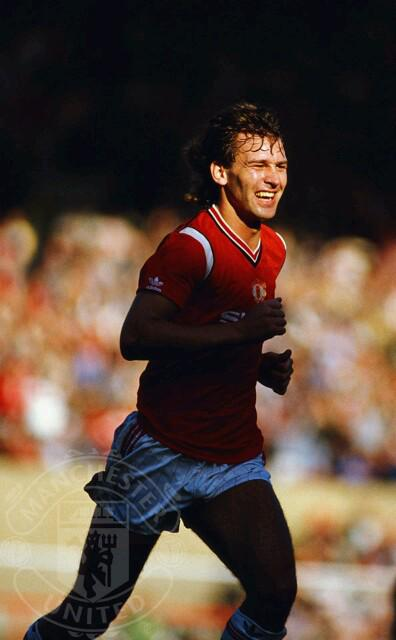 Happy Birthday Bryan Robson. What an legend!
