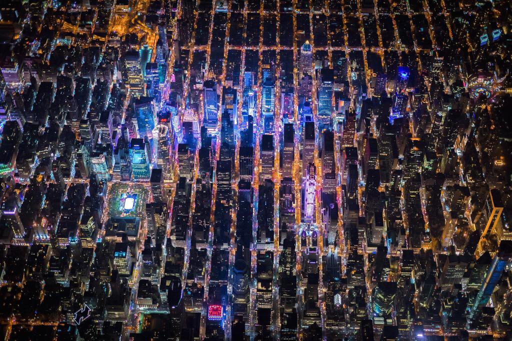 Wow... @vincentlaforet has made I think, the most beautiful images of NYC from the air, ever: https://t.co/5I5Wsx0JGK http://t.co/A6rkpjuCuy