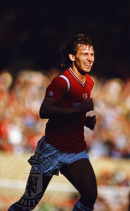 Happy birthday to soccer legend Bryan Robson, who played with