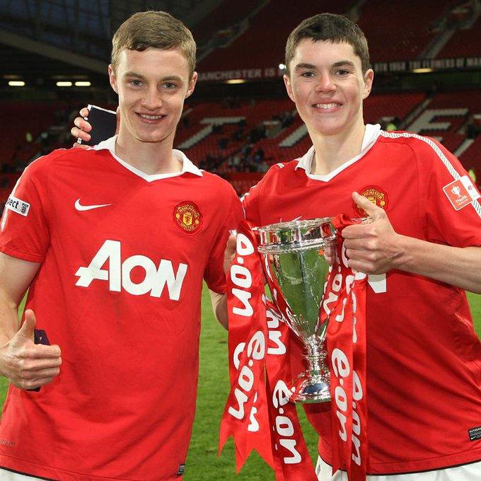 in 1993, si kembar Michael dan Will Keane lahir di Stockport Inggris. Happy birthday :)))