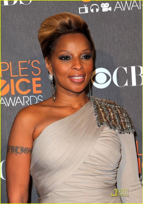 Happy Birthday to Mary J. Blige, who turns 44 today!