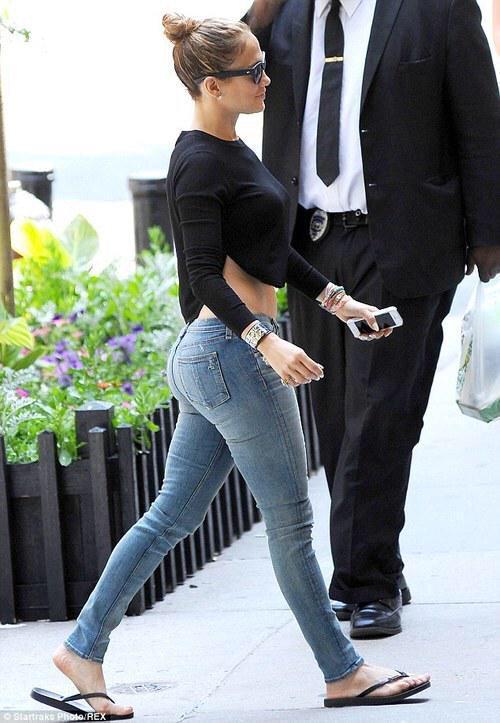 #JenniferLopez #BigBootyFreaks Age 45 (COUGAR / MILF) WANTED Guys 4 Sex Videos w COUGARS! You will get