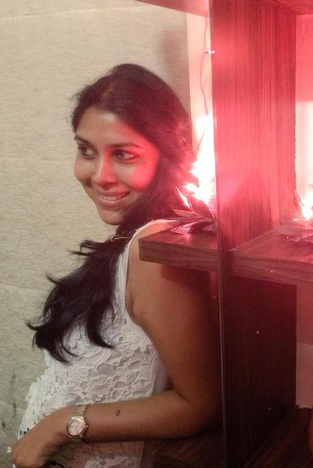 "\"" Happy Birthday Sakshi Tanwar"
