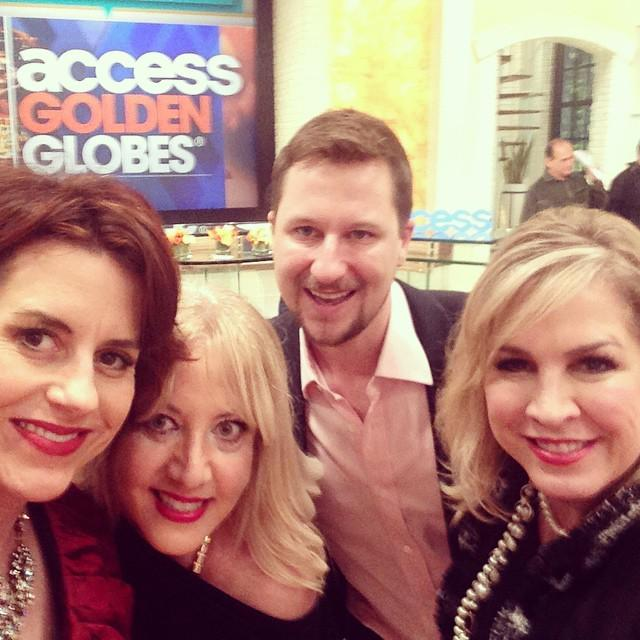 Behind the scenes #Access of NEW @AccessHollywood set during #GoldenGlobes w/ @thepartygoddess @BryanMMoore @Lori... http://t.co/QeebBTi3n4