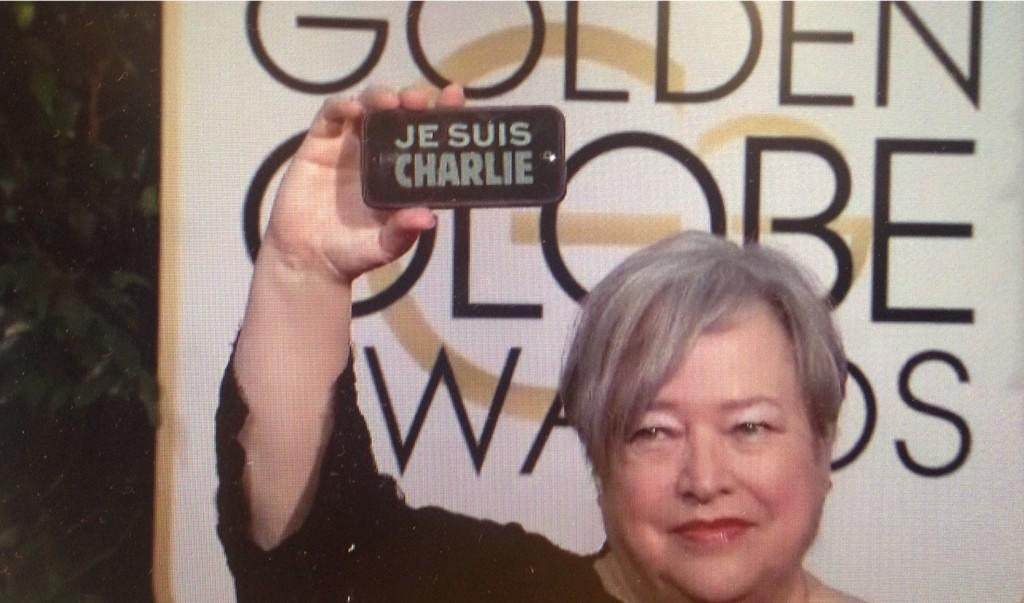 Kathy Bates in a show of solidarity. #JeSuisCharlie #GoldenGlobes http://t.co/H7AkOO6urq