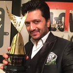 RT @Riteishd: Thank you Star Guild for awarding me with an Apsara for the best performance in a Negative role for Ek Villain - http://t.co/…