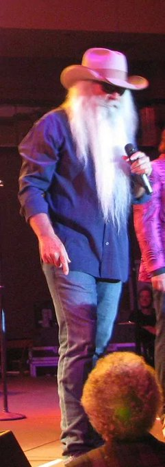 HAPPY BIRTHDAY WILLIAM LEE GOLDEN OF THE OAK RIDGE BOYS HAVE A SAFE AND WONDERFUL DAY .WILL C U JUNE BX MS