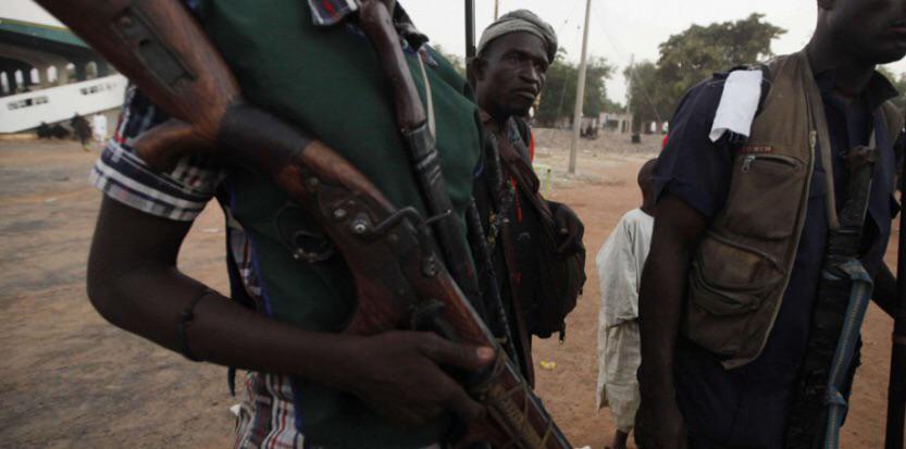 Et pdt ce tps, Boko Haram rase 16 villages au nord-est du Nigeria (2000 morts) #JeSuisCharlie http://t.co/bF0vyGA29B http://t.co/YyoMCoMW1g