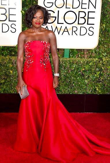 Now that is a #GoldenGlobes dress Viola Davis in #DonnaKaranAtelier @dkny. Smashing http://t.co/qv2ueydR0R