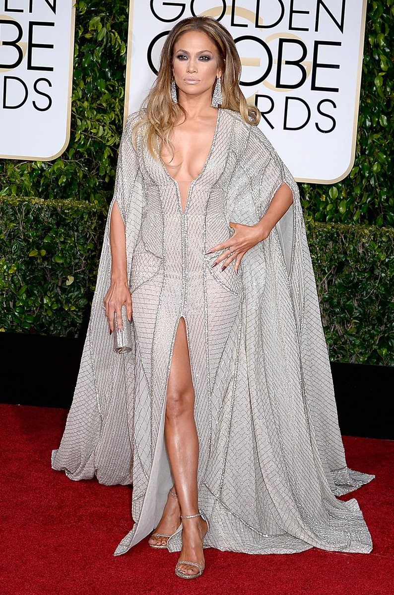 #GoldenGlobes #RedCarpet style, perfected. @jlo dazzles in the NUDIST. #inourshoes http://t.co/4xsutRKwlf