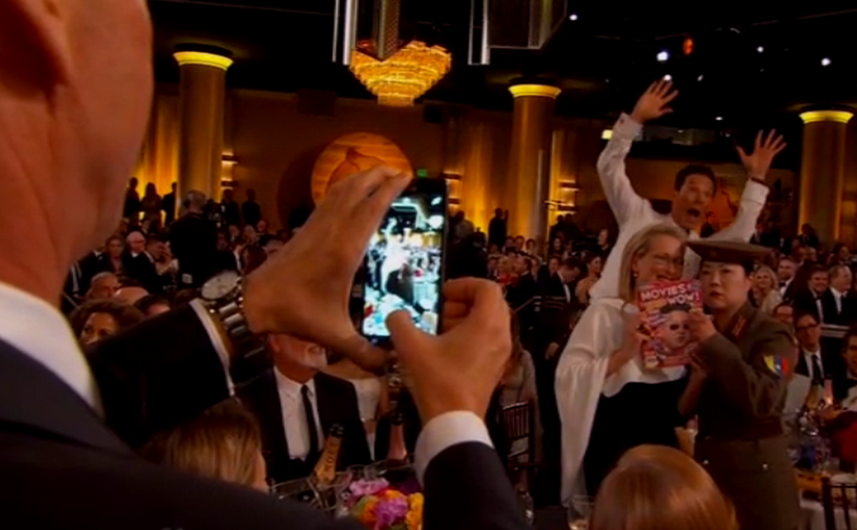 "CUMBERBOMB. @RT Esquiremag: ""Do it for all of us, Meryl."" #GoldenGlobes http://t.co/4vnfof6ywi"