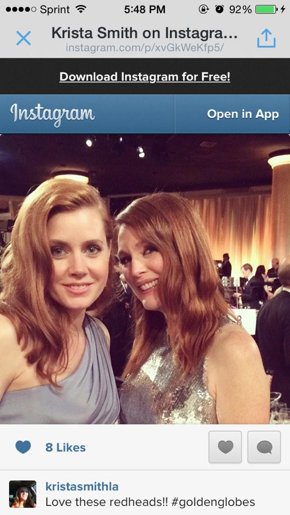Sweet photo of Amy Adams and Julianne Moore: http://t.co/kSwvYlKvhp #GoldenGlobes