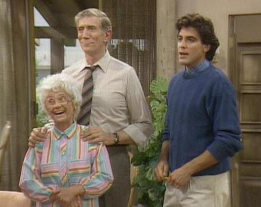 "Sorry but George Clooney's greatest role was rookie cop protecting Sophia Petrillo on ""Golden Girls"" #GoldebGlobes http://t.co/d4BC2phkMk"