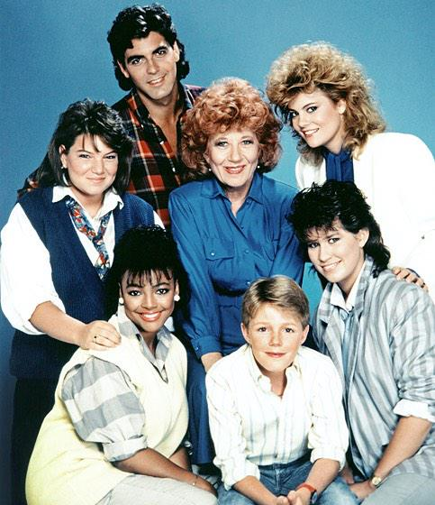 Really bummed George Clooney's Facts of Life wasn't acknowledged in that montage. http://t.co/lCsUJfDWul