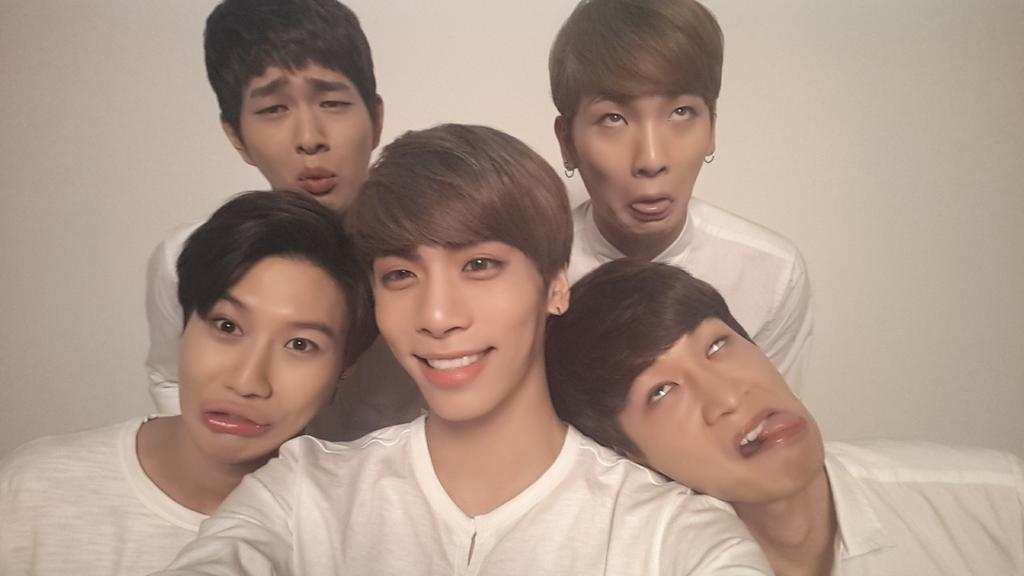 RT @realjonghyun90: ?...???.... http://t.co/3gN2uaoGpi