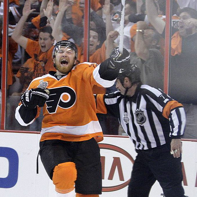 forward Claude Giroux turns 27 today. Happy Birthday, Claude!