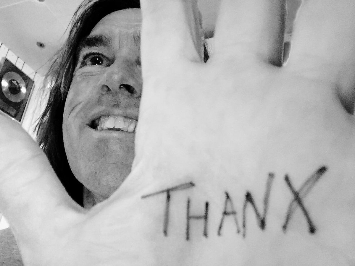 BIRTHDAY UPDATE: Thanx for all your kind words, dear you! Love from P. http://t.co/OVxqDe9yCg