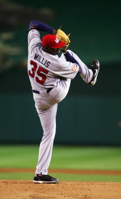 Happy 33rd Birthday to alum and former NL Rookie of the Year Dontrelle Willis