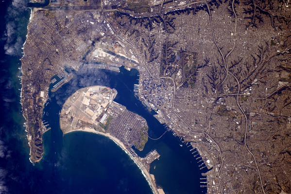 This @NASA photo of San Diego from space is incredible: http://t.co/r2XEaVYb3K http://t.co/MClQudSmcu