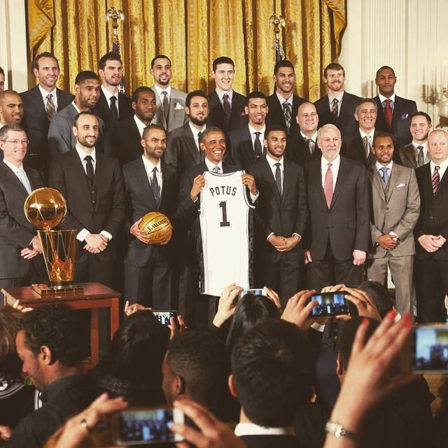 .@marcobelinelli was front row as the 2014 NBA Champion @spurs met President @BarackObama at the White House today! http://t.co/b7h2qlTg5O